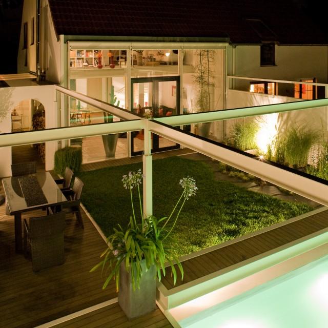 Thumbnail for Doppelhaus mit Pool